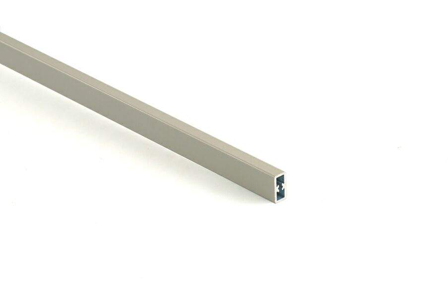 Квадратный профиль для фронтального рейлинга для внутреннего ящика Firmax Newline, L=1100 мм, серый. FRM0961.43